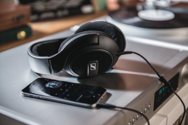 Sennheiser HD569 Headphones 4